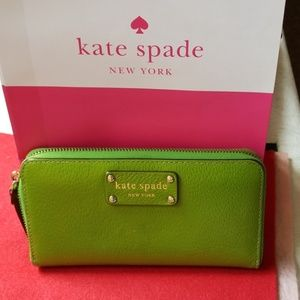 SALE:Kate Spade Zip Around Wallet